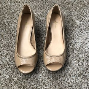Cole Haan. : patent leather wedge open toe  sz:6